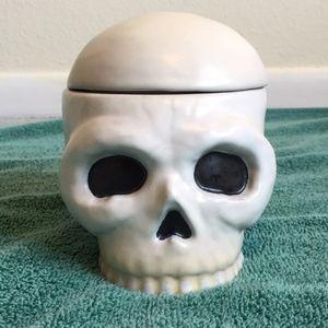 MIDWEST-CBK Ceramic Skull Candy Dish